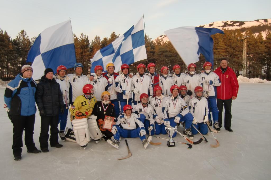 """Хоккейная команда """"Никельщик"""", 2012г."""